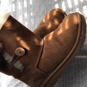 Girls Ugg Boots!!